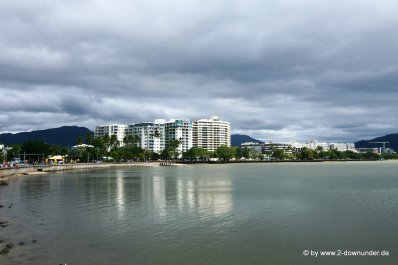 Blick auf die Esplanade von Cairns