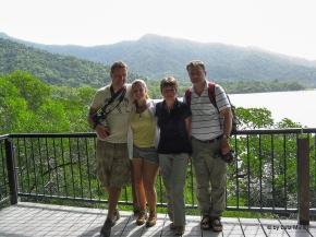 Falk, Kati und ihre Elterm am Cape Tribulation