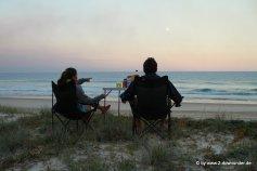 Kati und Falk abends am Strand von Fraser Island
